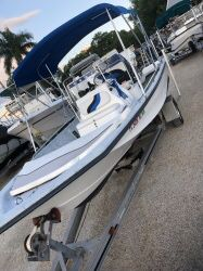 203 18' BLUE WAVE CENTER CONSOLE in great condition trailer and Yamaha for stroke 115 and silver great condition with VHF system. come and see this for Sale in Fort Lauderdale, FL