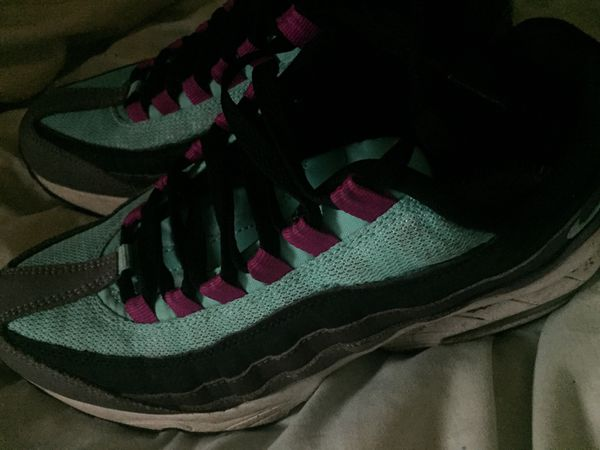Nike air (girls) size 8
