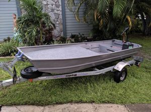 12 foot Jon boat with trailer and trolling motor for Sale in Largo, FL