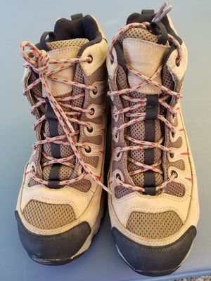 Cabelas boots in very good condition size 9.5 for Sale in Snohomish, WA
