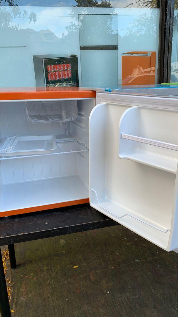 SALE ! Best price ! Frigidaire mini box fridge