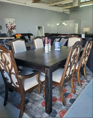 7 Piece Dining table chairs for Sale in Las Vegas, NV