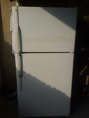 Refrigerator (White) for Sale in Houston, TX