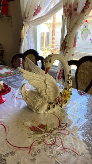 Glass Swan Capodimonte for Sale in Rancho Cucamonga, CA