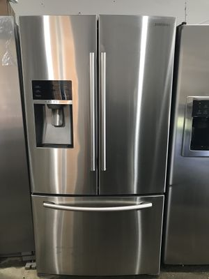 Stainless Steel Samsung Refrigerator for Sale in Snellville, GA