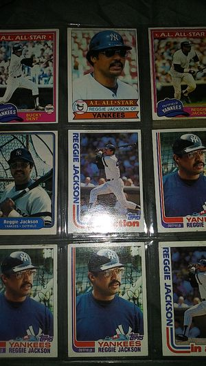 MAKE OFFER VINTAGE TOPPS MLB BASEBALL CARDS TRADING CARDS for Sale in Allentown, PA