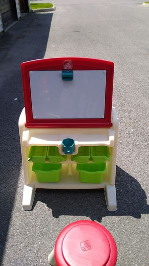 Step kid desk and table craft for Sale in Hilliard, OH