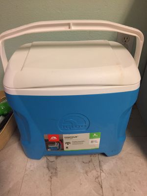 igloo cooler for Sale in Beaverton, OR