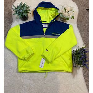 NWT Tommy Hilfiger L womans pull-over for Sale in Houston, TX