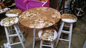 Small table with 4 stools for Sale in Pineville, LA