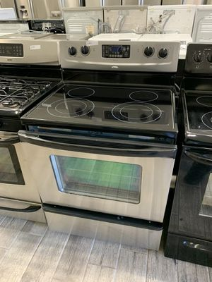 Whirlpool stainless steel electric stove for Sale in Phoenix, AZ