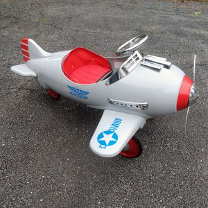 Kids Retro Silver US Army Silver Pursuit Pedal Plane for Sale in Leominster, MA
