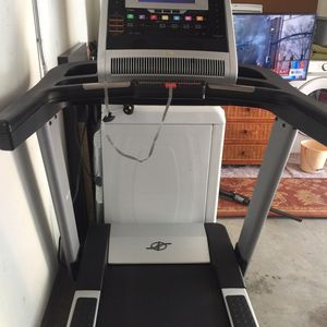NordicTrack Elite 9700 Pro Treadmill for Sale in Oceanside, CA