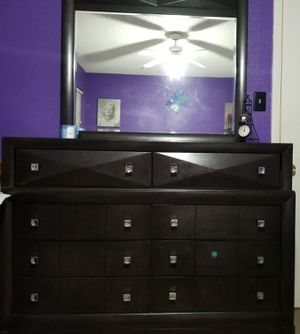 Dresser and mirror for Sale in Cedar Park, TX