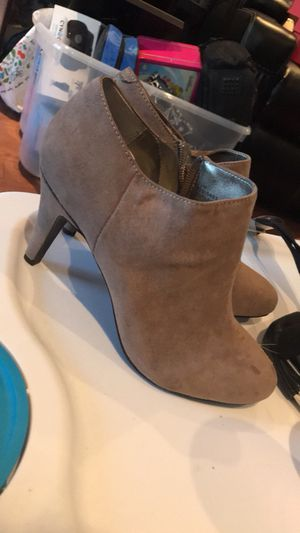 Size 7 1/2 boots for Sale in Boston, MA