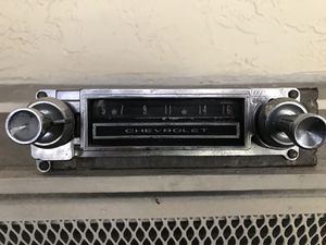 1963 CHEVROLET BEL AIR BISCAYNE OEM RADIO 63 for Sale in Miami Lakes, FL