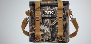 RTIC 20 SOFT SIDE CAMO COOLER for Sale in Greensboro, NC