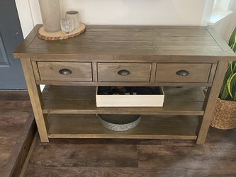 Entry console / table / dresser for Sale in North Bend,  WA