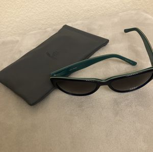 Vera Wang Sunglasses V269 for Sale in Denver, CO