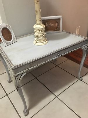 Shabby chic accent table for Sale in FL, US
