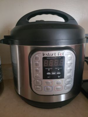 7 in 1 instant pot for Sale in Hartford, CT