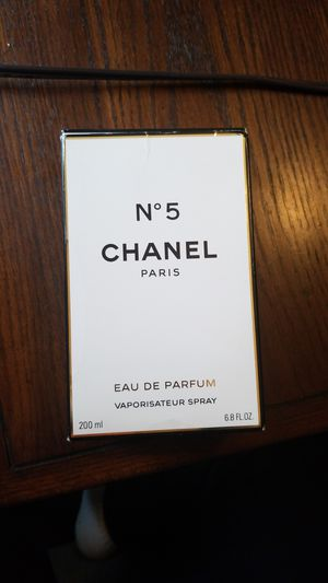 Chanel N 5 perfume for Sale in Dearborn Heights, MI