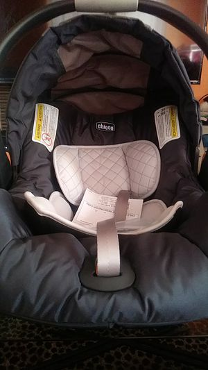 Chicco Infant car seat for Sale in Compton, CA