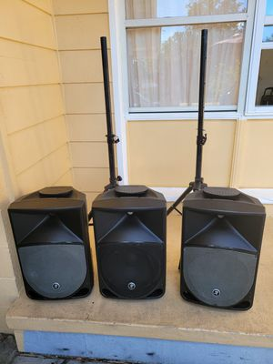 """3- 12"""" Mackie Thump powered speakers with stand $600 for Sale in Orlando, FL"""
