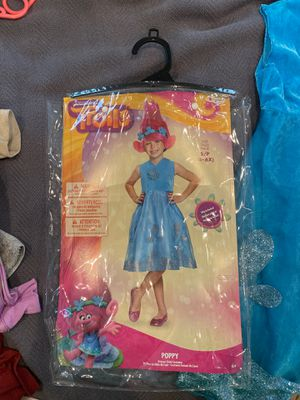 Kids Poppy Troll costume plus wig size 4-6x for Sale in Charlotte, NC
