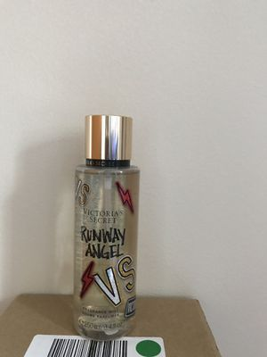 Victoria's Secret Runways Angel Fragrance Mist e250ml/ 8.4 fl Oz for Sale in North Olmsted, OH