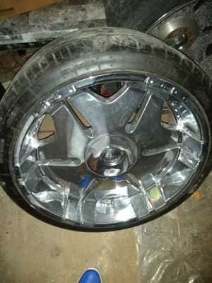 22 Inch Chrome Rims and tires for Sale in Obetz, OH