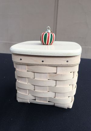 Longaberger Holiday Handmade Basket for Sale in Lakewood, CA