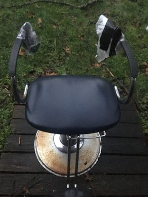 Barber chair it's a project but could be repaired easily. for Sale in High Point, NC