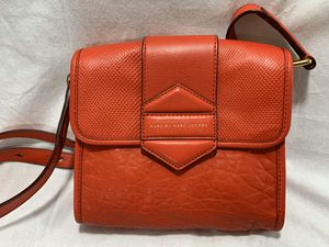 MARC JACOBS Flipping Out Messenger CrossBody Brass Cambridge Red RARE $328 *NEW* for Sale in Littleton, CO