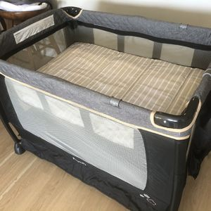 Packn Play - Ingenuity DreamComfort Smart and Simple Packable Portable Playard with Changing Table - Connolly for Sale in Boston, MA