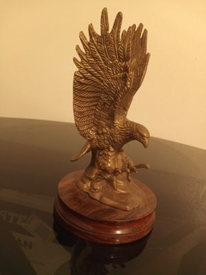 The american eagle statues & the american eagle cup collection for Sale in Rockwood, MI