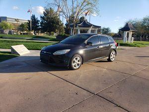 2013 Ford Focus Hatchback SE for Sale in Phoenix, AZ