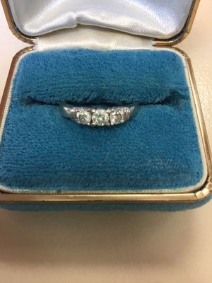 White Gold 1/2 K T.W. wedding ring. Size 7 for Sale in Roselle, IL