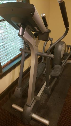Elliptical trainer Life Fitness X5 for Sale in Duluth, GA
