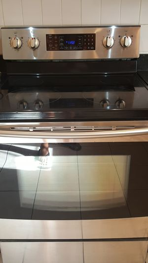 SAMSUNG ELECTRIC RANGE. for Sale in Chicago, IL