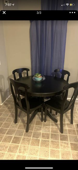 Table & 4 Chairs - PERFECT FOR EAT-IN-KITCHEN for Sale in Browns Summit, NC