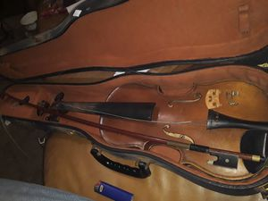 Nice Stradsvarius Copy with Bow and Case for Sale in Gardena, CA
