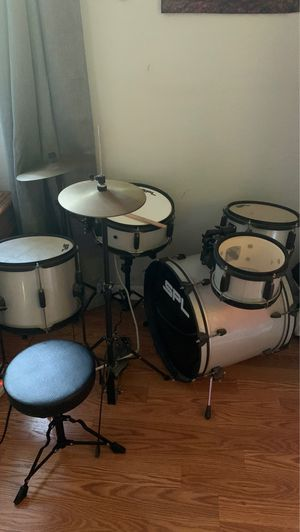 Sound Percussion Labs Kicker Pro 5-Piece Drum Set with Stands, Cymbals for Sale in Vista, CA