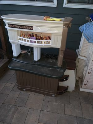 Play kitchen and box of kitchen toys for Sale in Abilene, TX