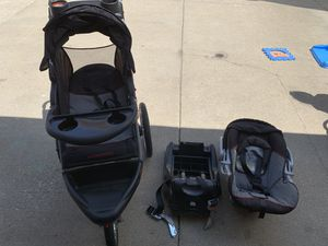Stroller /car seat w/base. for Sale in Chicago, IL