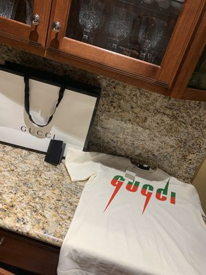 gucci t shirt for Sale in Bloomingdale, IL