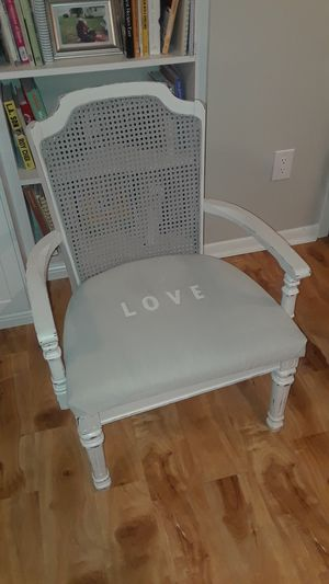 Great Condition Chair Shabby Chic Antique Look $40 Plymouth for Sale in Minneapolis, MN