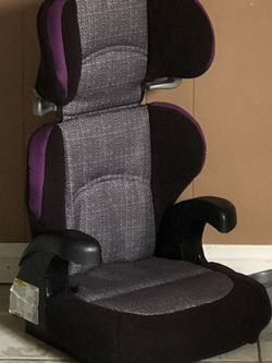 LIKE NEW BOOSTER SEAT for Sale in Riverside,  CA