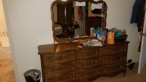 Bassett dresser mirror and nightstand for Sale in Waynesboro, VA