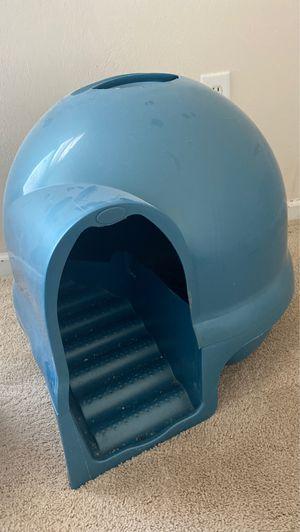 Free litter box/must pick up ASAP for Sale in Virginia Beach, VA
